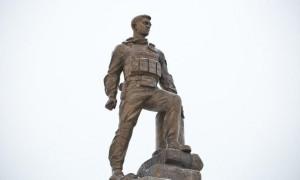 Памятник Герою Российской Федерации Александру Прохоренко